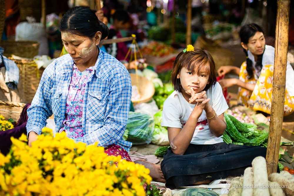 Flower seller and daughter, Nyaung U market, Bagan, Myanmar