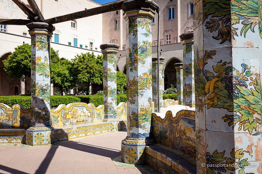 Frescoes and murals in Santa Chiara