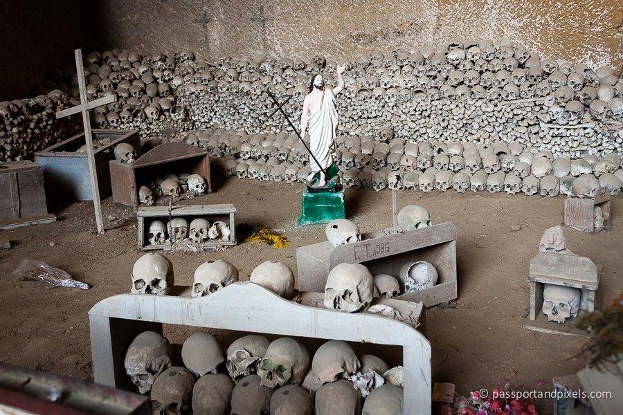 Fontanelle Cemetery Caves (Cimitero delle Fontanelle)