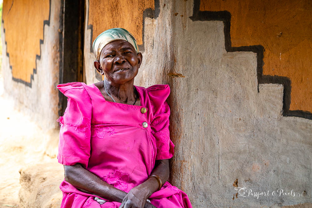 Best travel photography blogs: portrait of a lady in Uganda